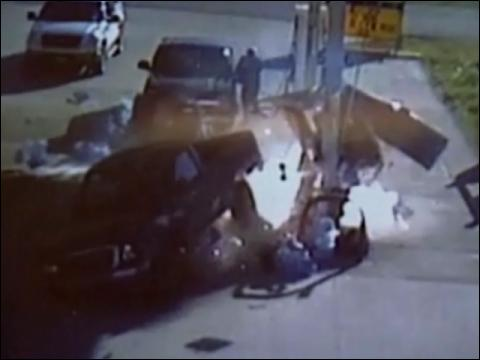 Driver Sets Gas Pump Ablaze