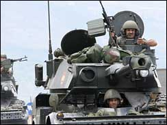Lebanese army tanks advance on refugee camp