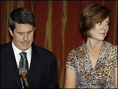 Sen. David Vitter, R-La., speaks to the media with his wife, Wendy, in Metairie, La., on July 16, 2007.