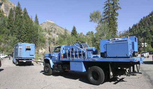 Figure 8: A truck brings a seismic listening equipment to the mine.