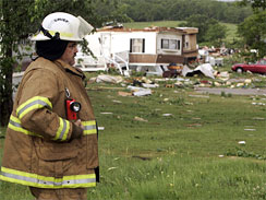 Tornadoes Kill 5, Flatten Homes in Plains States